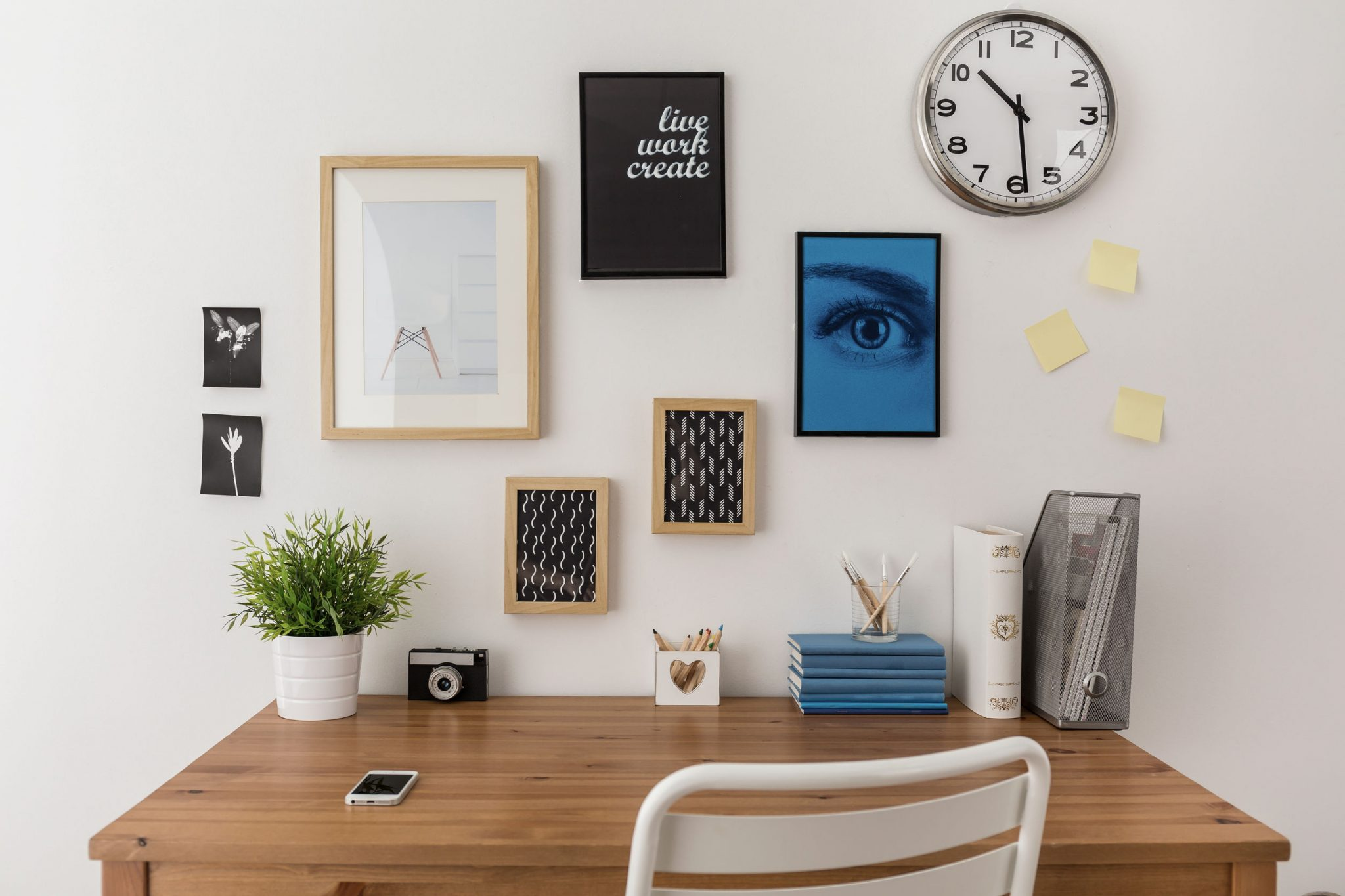 6 experts giving advice to help you organize your desk productivity