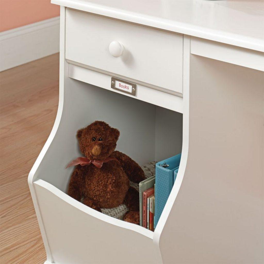 saudor desk storage space