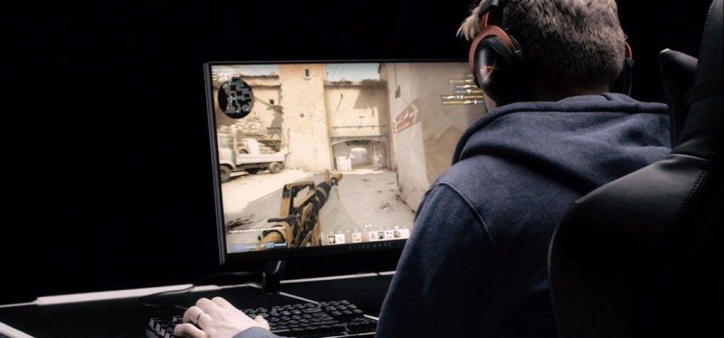 gaming desk counter strike