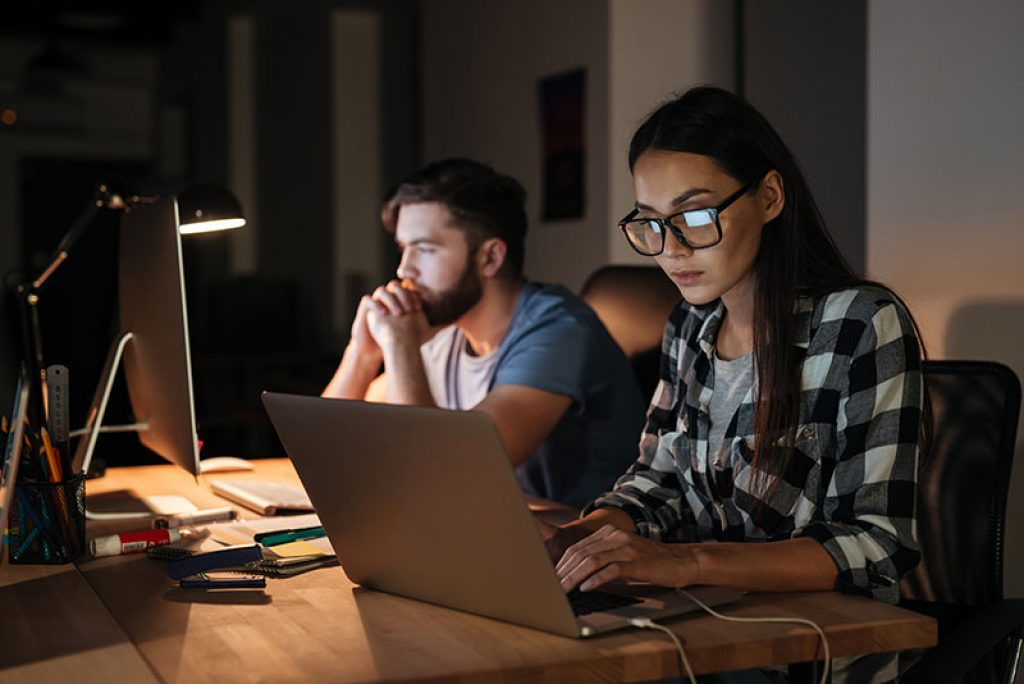 computer glasses to help reduce eye strain using a laptop
